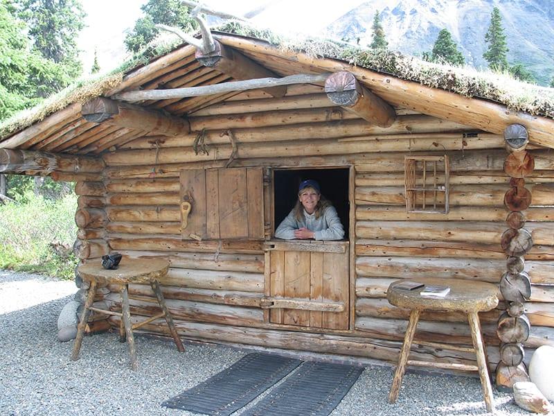 Twin lakes cabin with split door